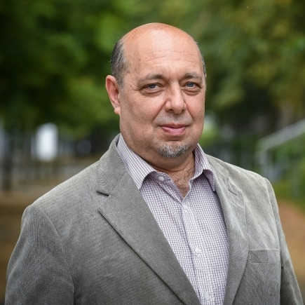 д-р Томаш Краус